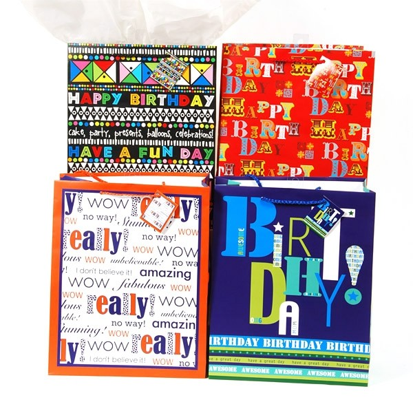 FLOMO Large Typographic Birthday Gift Bags Zoom